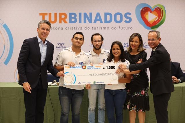 Secretaria de Turismo de Pernambuco premia vencedores do projeto Turbinados