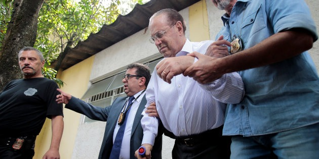 Member of Brazil's Lower House of Congress Paulo Maluf (2nd R) is escorted by Federal Police as he leaves the Medical Legal Institute in Sao Paulo, Brazil December 20, 2017. REUTERS/Leonardo Benassatto