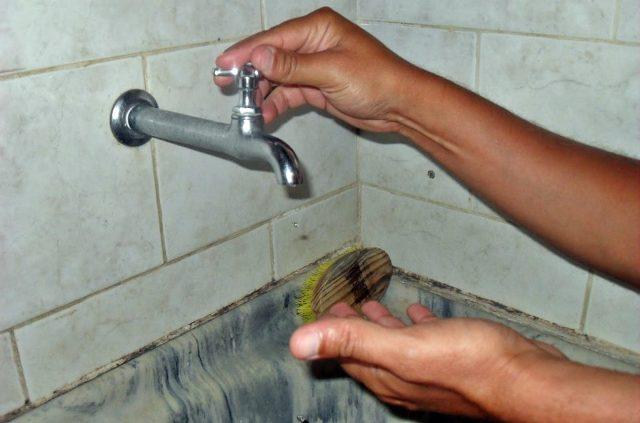 Resultado de imagem para sem agua nas torneira
